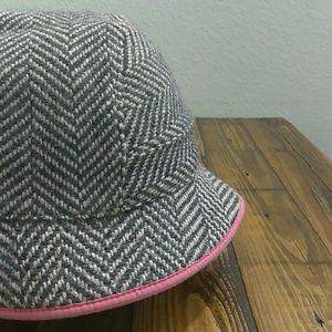 75cbe612b4c Gap pink and gray wool blend cloche bucket hat